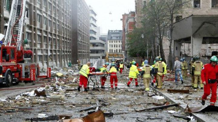 Breivik regresa a la isla para  reconstruir el tiroteo de Oslo