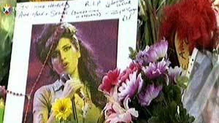 Amy Winehouse incinerada tras una ceremonia privada bajo el rito hebreo
