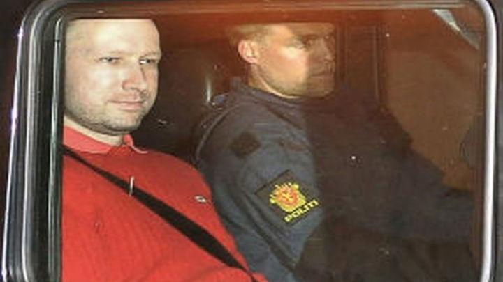El juicio contra el autor confeso del doble atentado en Noruega comenzará en 2012