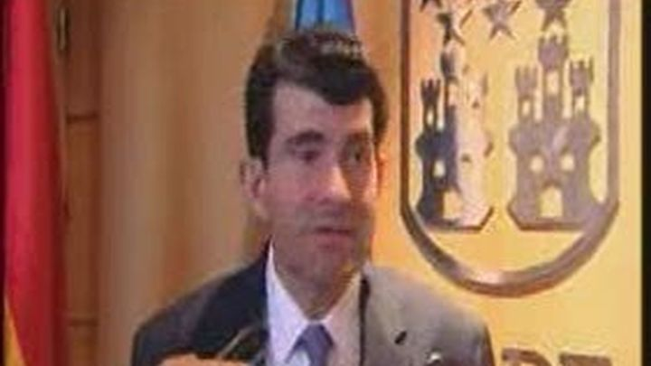 Bartolomé González dice que los municipios deben  garantizar la prestación de servicios sociales