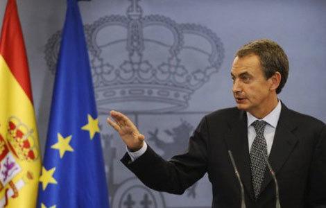 Zapatero en la rueda de prensa en la que anuncia que adelanta las elecciones al 20N