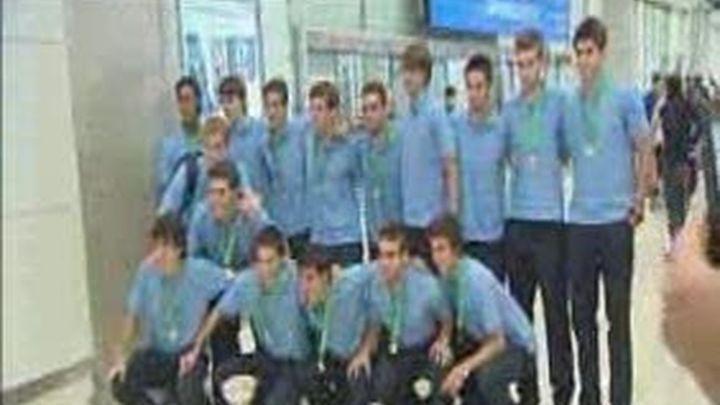 Los sub-19 llegan a Madrid como campeones de Europa