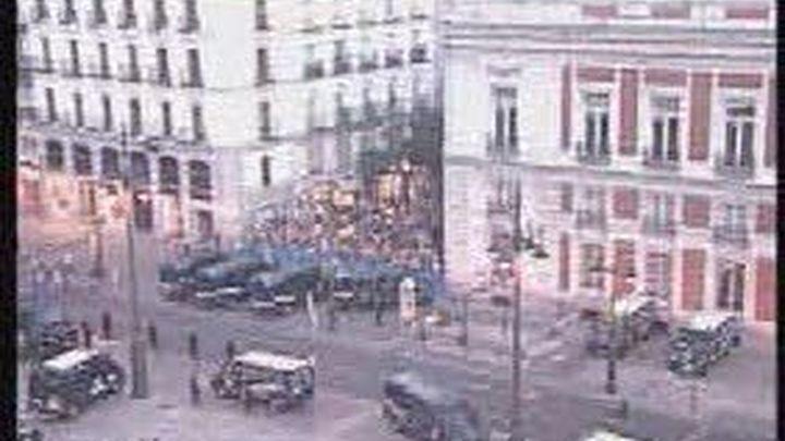 Un millar de 'indignados' marchan para recuperar la Puerta del Sol