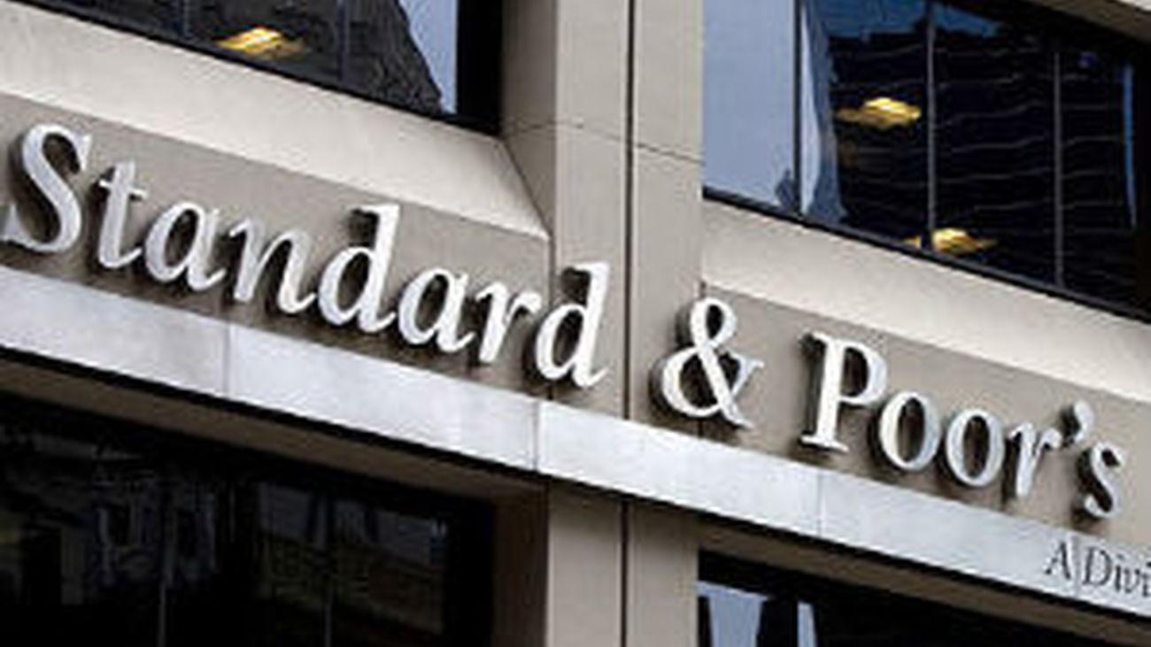 Standard & Poors y Casa Blanca enzarzadas en disputa por rebaja de deuda EEUU
