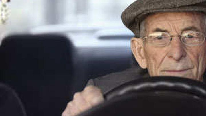 Un cántabro de 100 años de edad renueva su carné de conducir