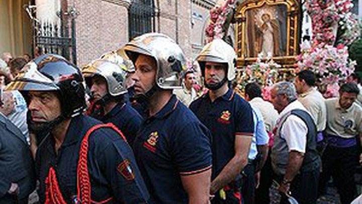 Bomberos de la Comunidad honrarán hoy a la Virgen de  la Paloma en su festividad