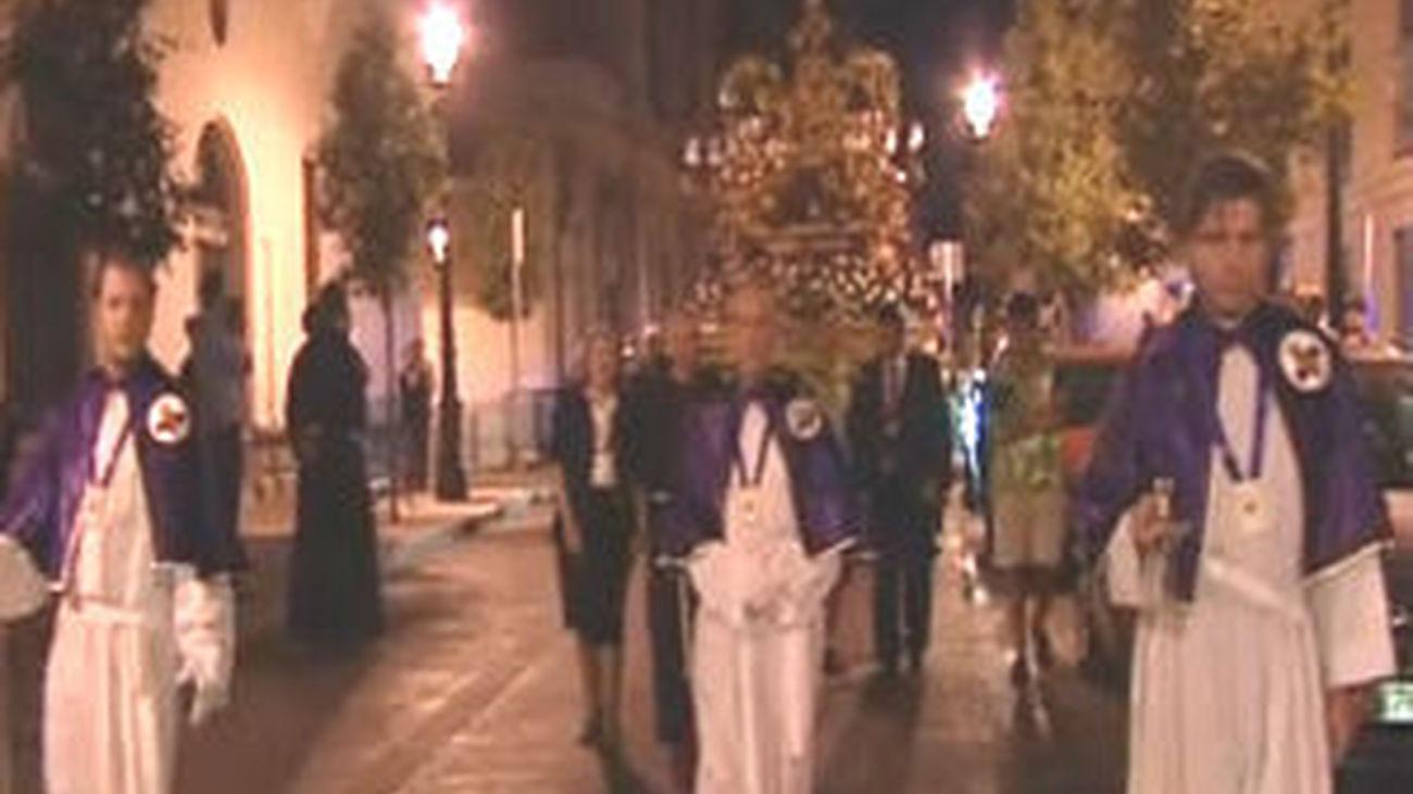 Todos los pasos que participarán hoy en el Via  Crucis ya están en Madrid y se pueden visitar