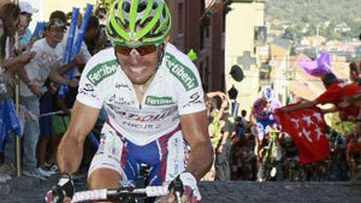 Castroviejo abre la puerta grande de la Vuelta