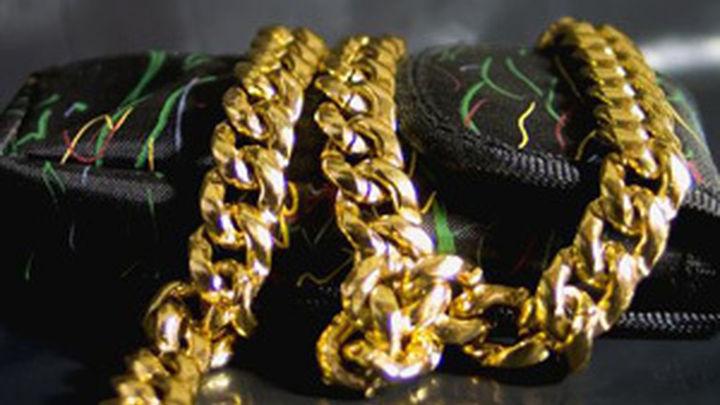 Tiran a la basura joyas valoradas en 50.000 dólares en Australia