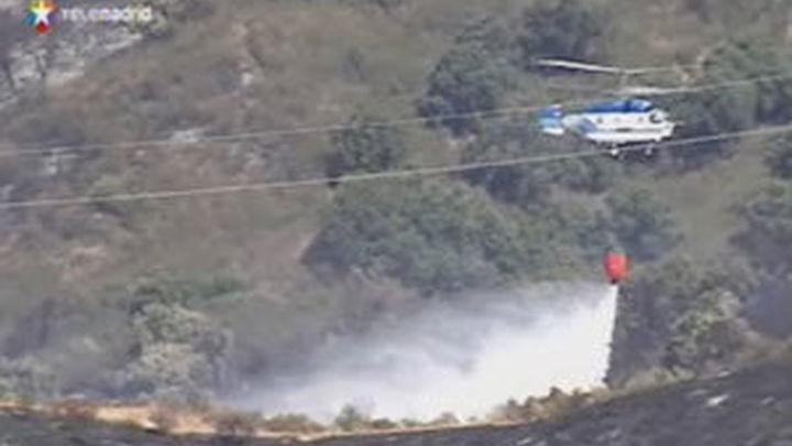 Arrasadas 400 hectáreas en el fuego de Mijas que causa cientos de desalojos