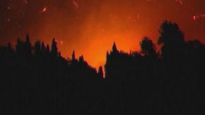 Unas mil personas tienen que ser evacuadas por un incendio  declarado en Ibiza