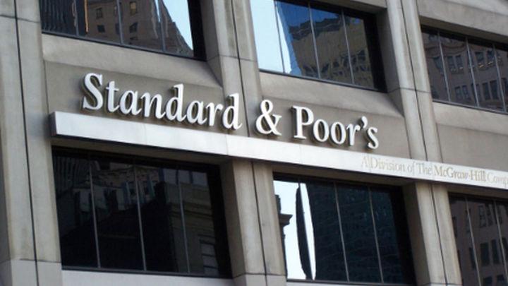 Standard & Poor's rebaja la nota de Italia un escalón