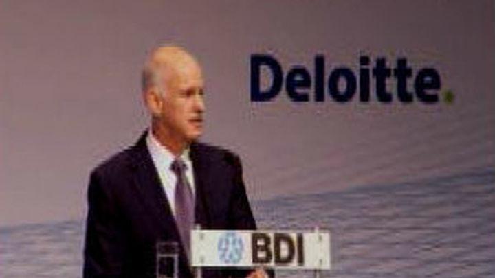 Papandreu dice que Grecia está en jaque y que las ayudas son inversión de futuro