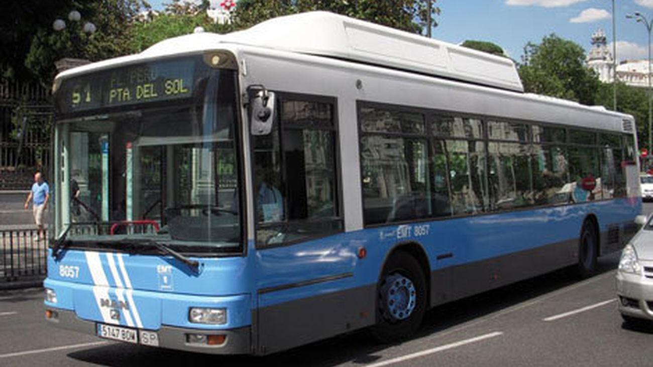 Los usuarios del transporte público tienen todo el mes para canjear los bonos con las antiguas tarifas