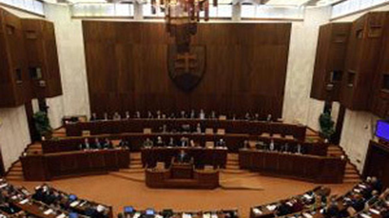 Eslovaquia desbloquea la expansión del fondo de rescate europeo