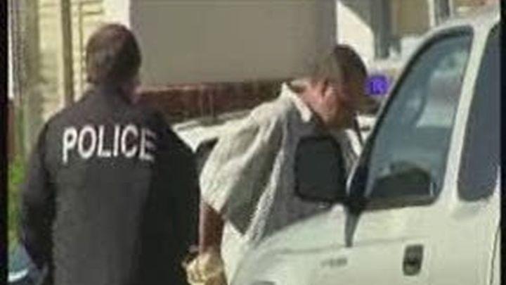 Ocho personas mueren tiroteadas en una peluquería de California
