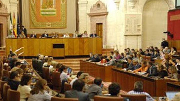 La Junta de Andalucía congela sueldos por segundo año y autoriza a RTVA a vender activos