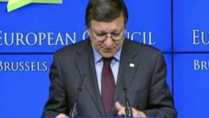 Barroso insta a Grecia a actuar y cumplir sus compromisos para salir adelante