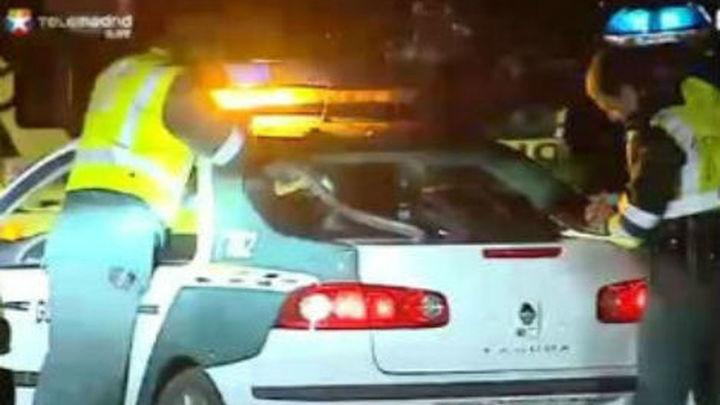 Tres muertos en una colisión entre un turismo y un camión en Granada
