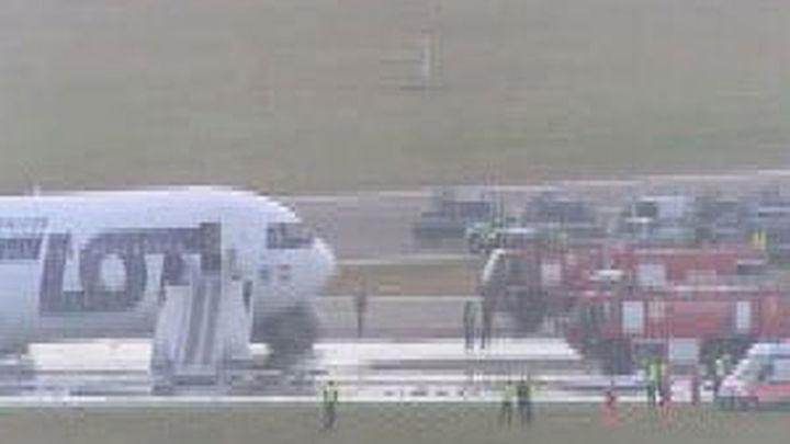 Aterrizaje de emergencia sin heridos, en Varsovia