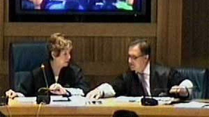 """La juez Murillo renuncia a juzgar a Txapote tras llamar """"cabrones"""" a los acusados"""