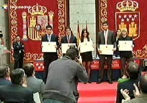 Aguirre entrega sus premios a los 76 alumnos más sobresalientes de la Comunidad
