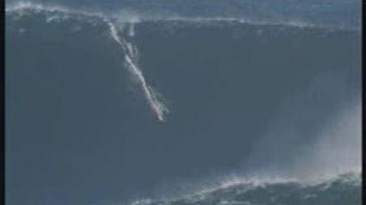 Una ola de treinta metros, nuevo récord del surf