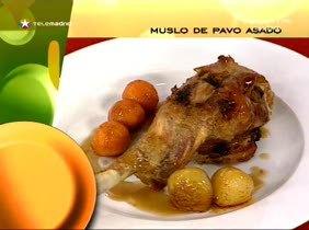 Muslo de pavo asado con batata
