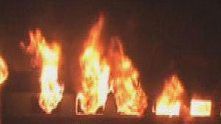Siete personas mueren en un incendio de un tren, en India