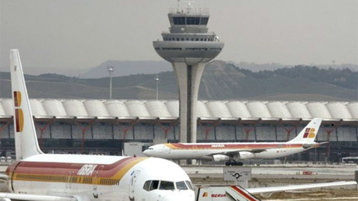 Normalidad en Barajas en las primeras horas de implantación del nuevo guiado de aviones