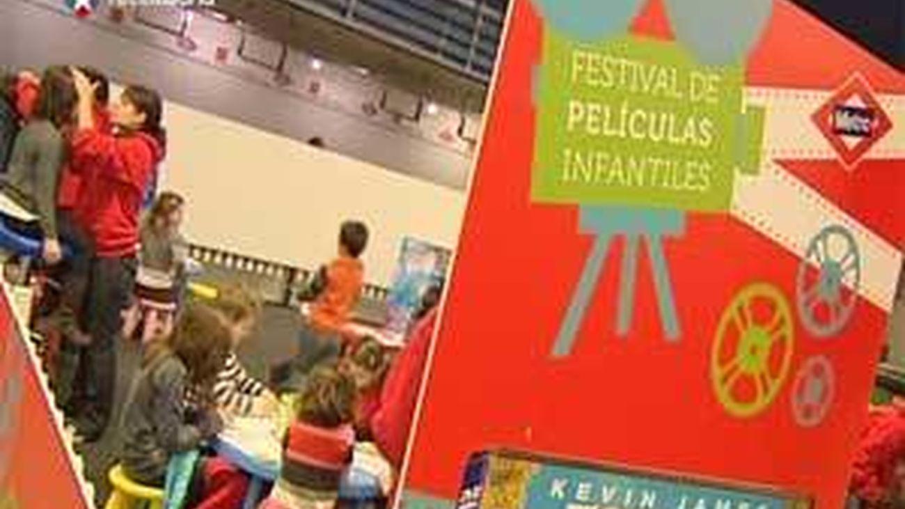Cine infantil en la estación de Metro de Nuevos Ministerios