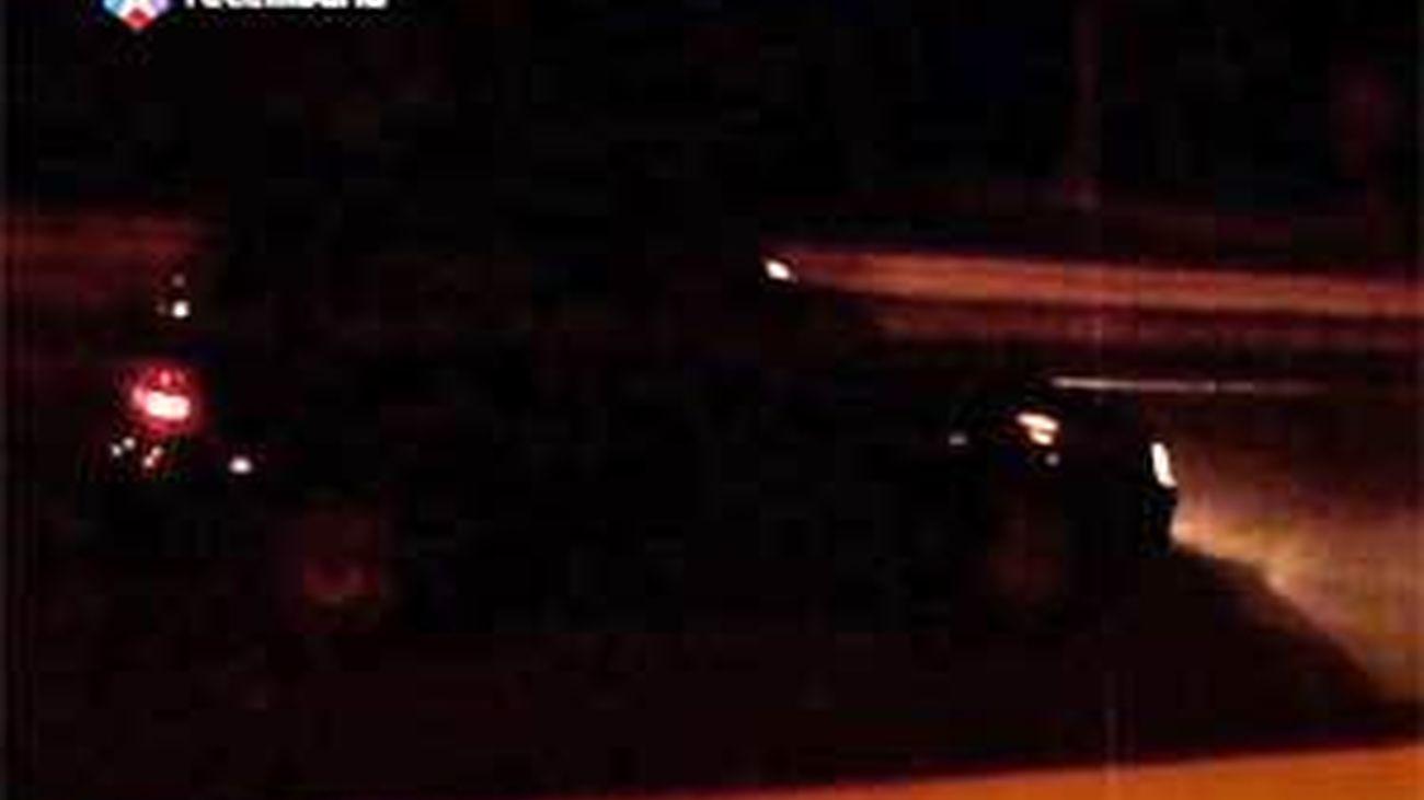 Los bomberos de Mijas graban la persecución de una conductora kamikaze en la A-7