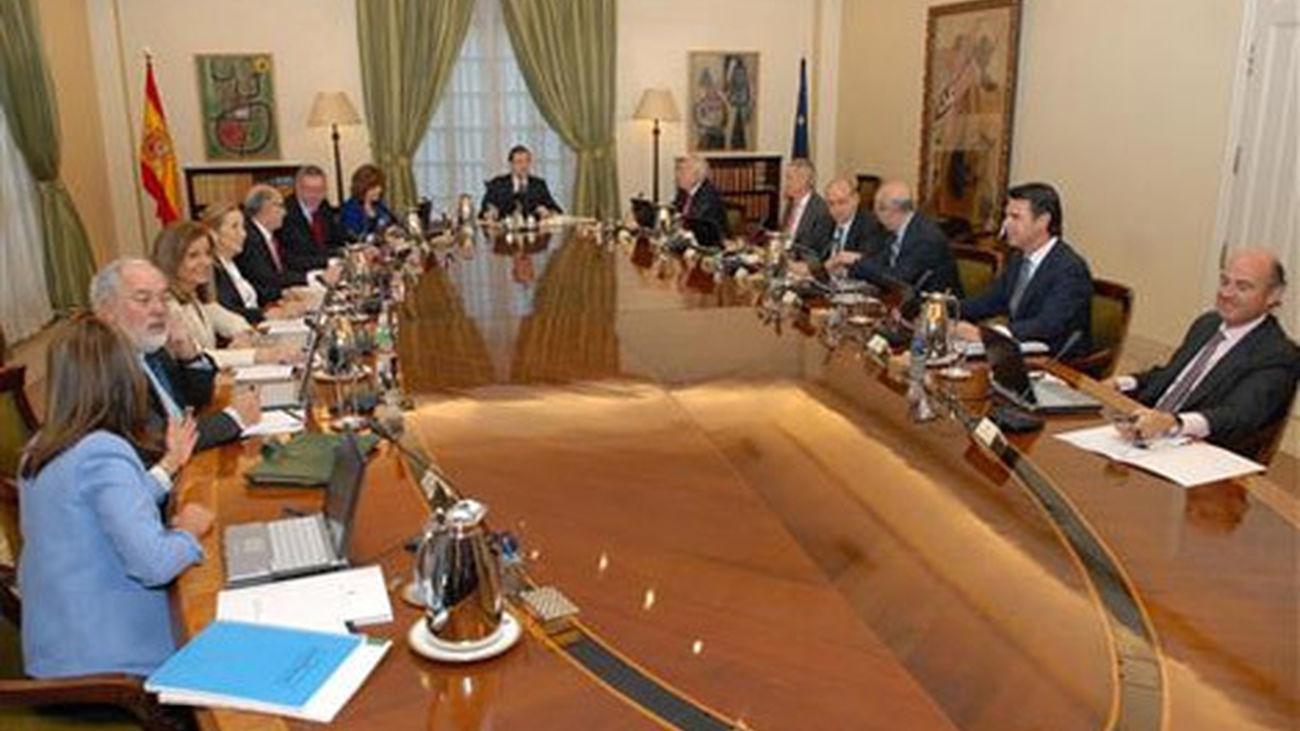 Primer Consejo de ministros presidido por Mariano Rajoy en La Moncloa