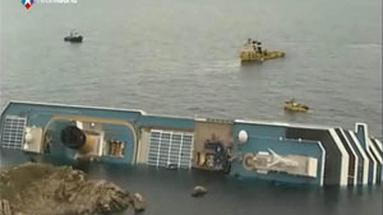"""La naviera del """"Costa Concordia"""" admite el error del capitán en el naufragio"""