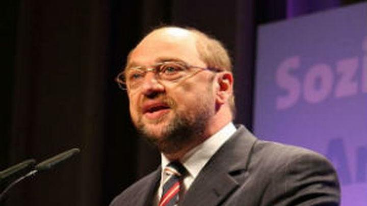 Schulz lucha contra sondeos adversos con la confianza del que se ve canciller