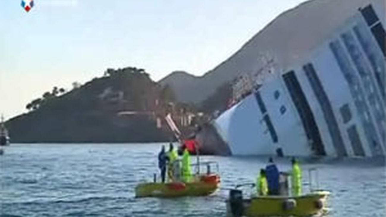 """Suspenden la búsqueda de desaparecidos del """"Costa Concordia"""",  tras moverse el crucero"""