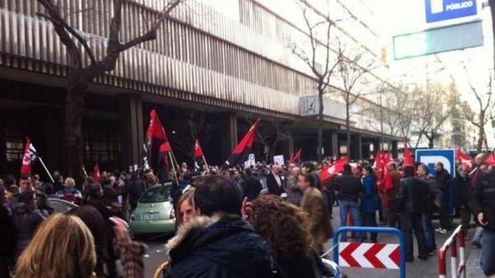 """Trabajadores de Iberia se manifestaron en Madrid contra la creación de la """"empresa tercermundista"""" Iberia Express"""