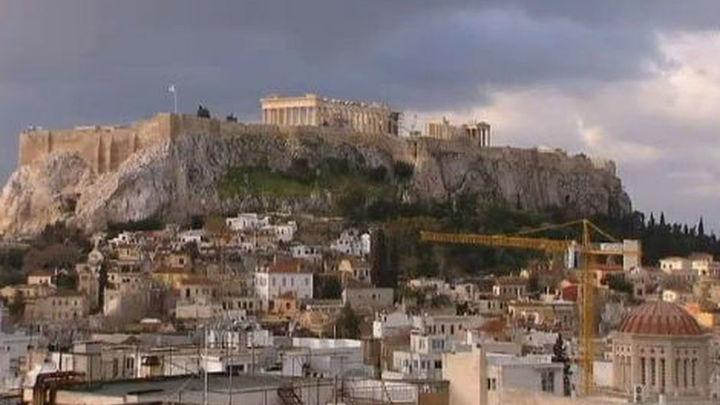 Grecia podría despedir hasta 4.000 funcionarios este año