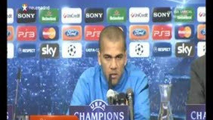 """Alves: """"Jamás van a permitir que el Barcelona juegue una final en el Bernabéu"""""""