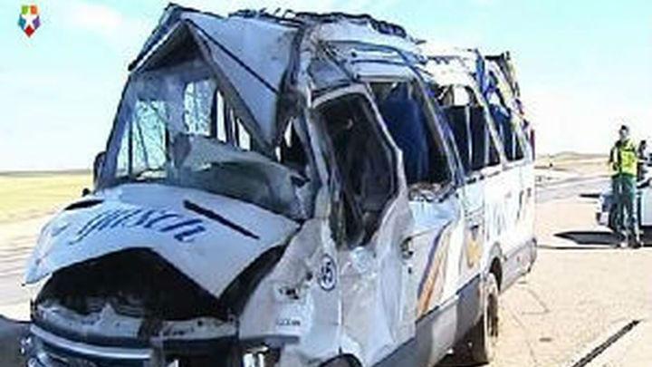 El exceso de velocidad posible causa del accidente mortal de un autocar escolar en Ávila