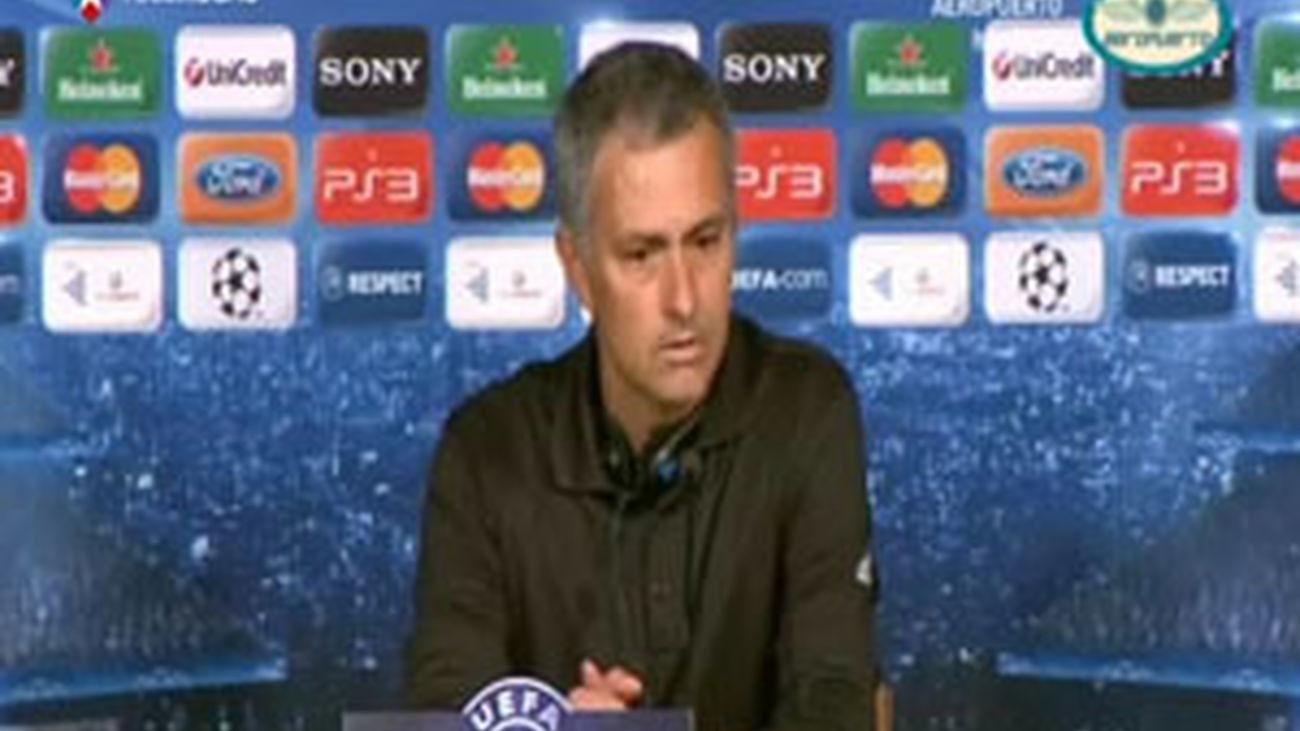 """Mourinho: """"Hemos pedido el apoyo de la grada y lo seguiremos haciendo"""""""
