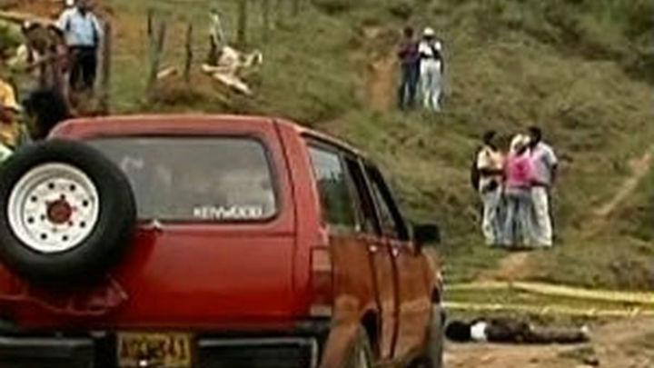 Cinco militares y tres civiles mueren en ataques de las FARC en Colombia