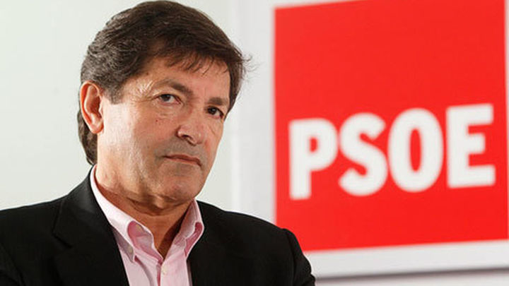 PSOE e IU alcanzan un principio de acuerdo para la investidura de Fernández
