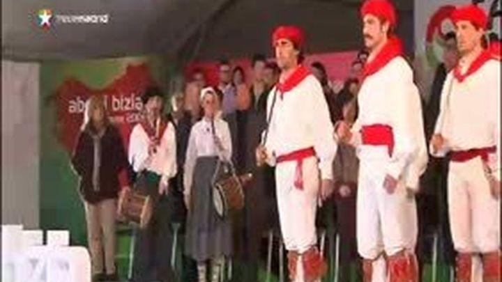 """El PNV pide a Rajoy que """"se mueva"""" en el Aberri Eguna"""