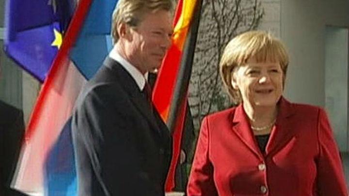 Merkel propone referéndum sobre el euro en las elecciones griegas