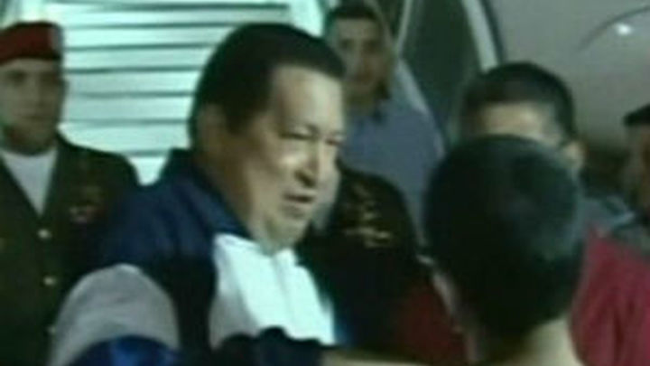 Chávez da por concluída la radioterapia y rechaza rumores sobre su salud