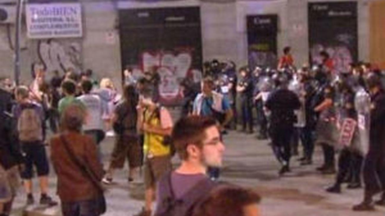 La última concentración del 15-M concluye sin incidentes y con un detenido
