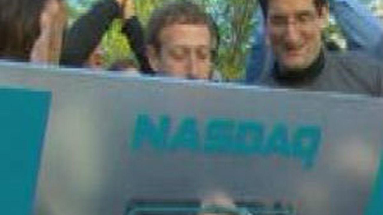 Facebook no convence en su primer día en Wall Street