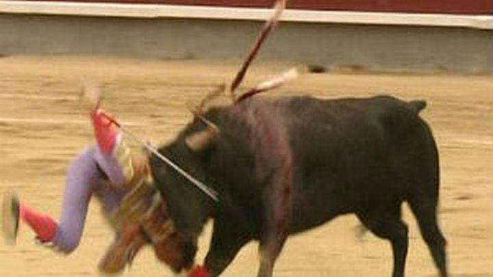Impresiona Castella, que mata a sus toros herido, pero el toreo fue Talavante