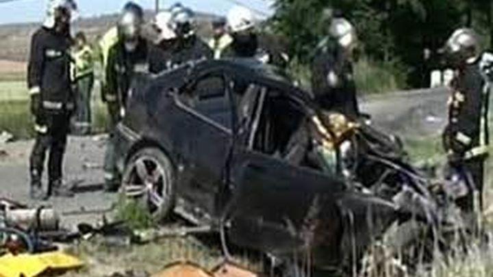 Un muerto y un herido al chocar un camión y un turismo en Villalbilla